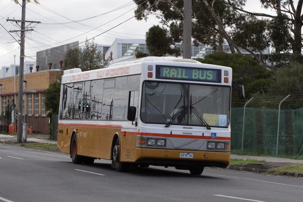 Sita bus #58 5478AO on a Werribee line replacement service at Spotswood