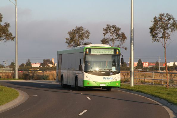 Dysons bus 3092AO on a Werribee line limited express rail replacement service at Williams Landing