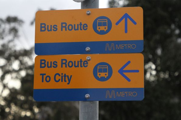 'Bus route' and 'Bus route to city' signs at Sunshine station