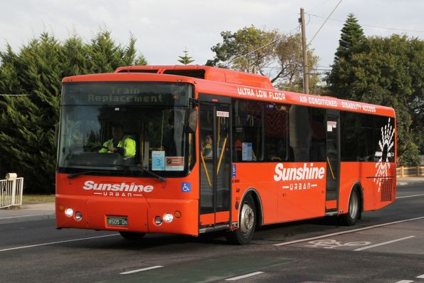 Sunbury Urban bus BS05QN on a Sunbury line rail replacement service along Hampshire Road, Sunshine