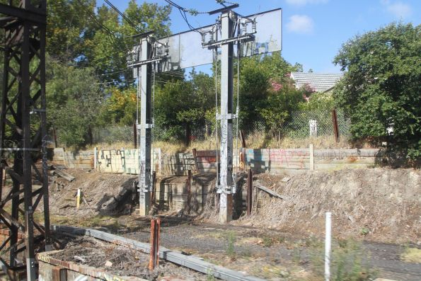 Traction power feeders at the Toorak tie station