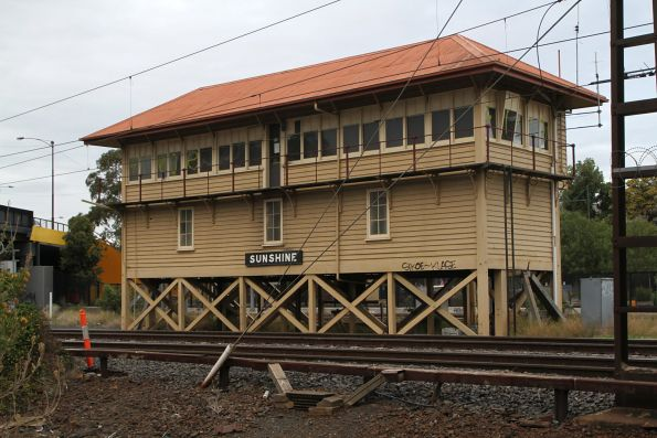Disused signal box at Sunshine