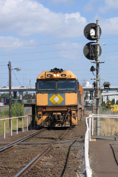 NR10 shunts back towards South Dynon