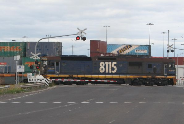 8115 shunting over Dock Link Road, South Dynon