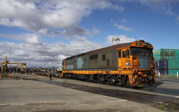 8114 shunting over Dock Link Road at South Dynon
