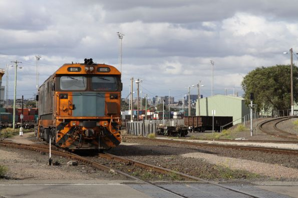 8114 shunts the Melbourne Freight Terminal at South Dynon