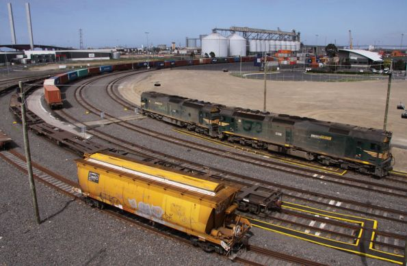G536 and G531 with more stabled wagons at Appleton Dock