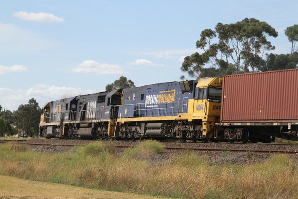 NR90, 8220 and NR64 leads MC2 northbound through Albion