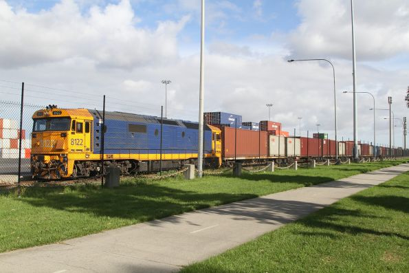 8122 shunting container wagons at Swanston Dock West