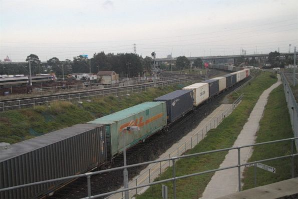 Pacific National freight shunts out of the city end of the Melbourne Freight Terminal via the ARTC Dive