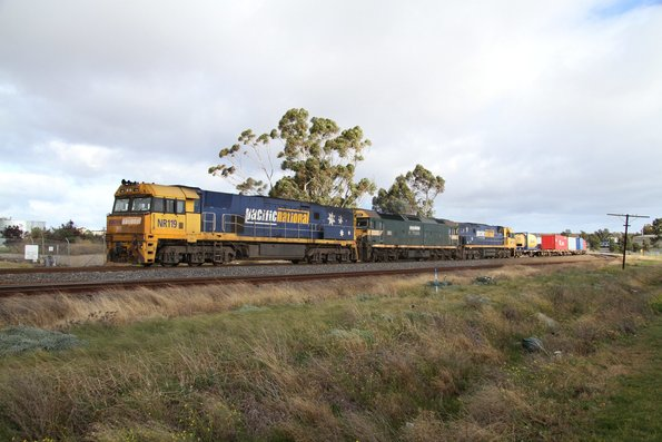 NR119, G523 and NR113 lead MC2 through Albion on the down
