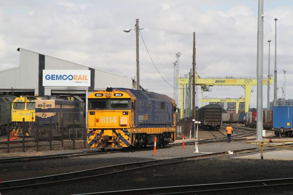 8114 shunting the Melbourne Freight terminal, with GML10 and T364 at the Gemco Rail shed behind