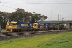 NR38 leads AN9 and NR68 on AM5 westbound through Paisley