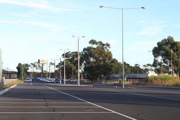 7:30am and still plenty of car parking spaces at Albion station