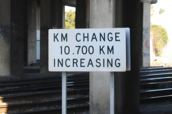 Track distance change sign at Newport on the SG line, down direction