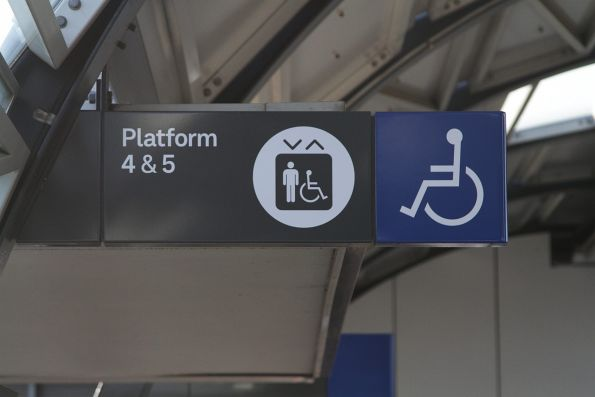 Non-standard font used for new platform signage at Footscray station
