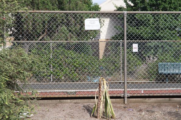 'Before planting in this area please contact Metro Trains' notice at Spotswood station