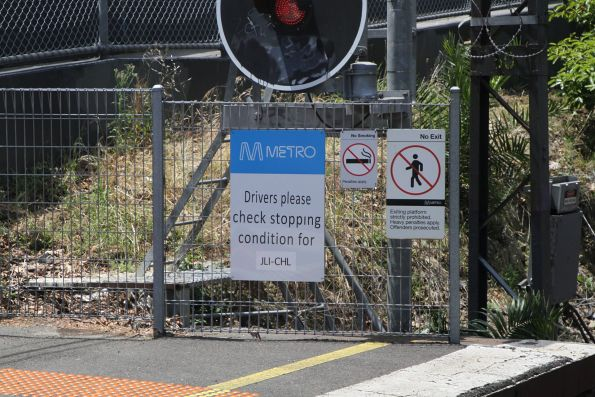 'Drivers please check stopping condition for JLI-CHL' sign at the down end of Jolimont station