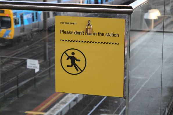 'Please don't run in the station' sign at North Melbourne