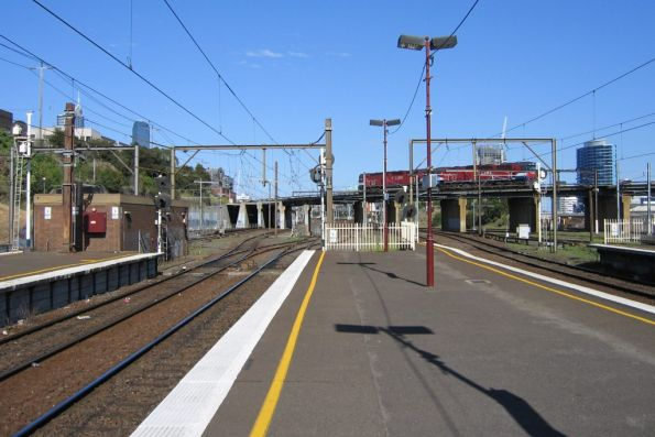 Up end of North Melbourne Station looking towards the flyover