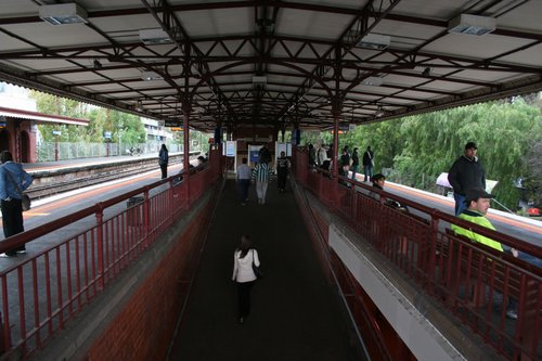 Platforms 1 and 2 at Glenferrie