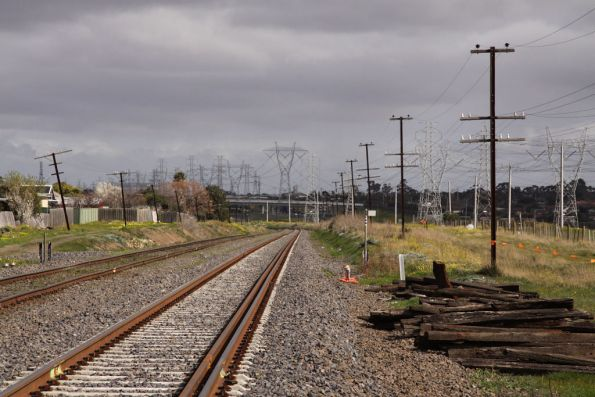 Down end of the new dual gauge section of the Albion-Jacana line, looking south