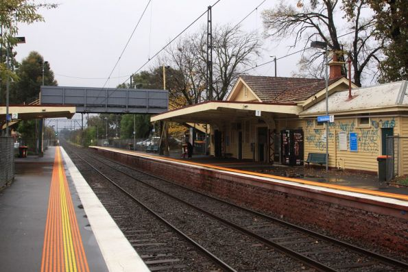 Looking down the line at Murrumbeena station