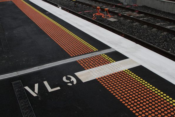 Stopping mark for 9-carriage VLocity trains on the RRL platforms at Footscray station