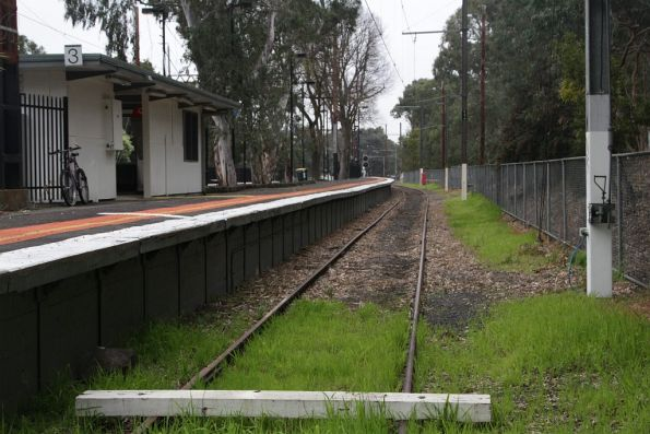 Dead end of platform 3 at Macleod