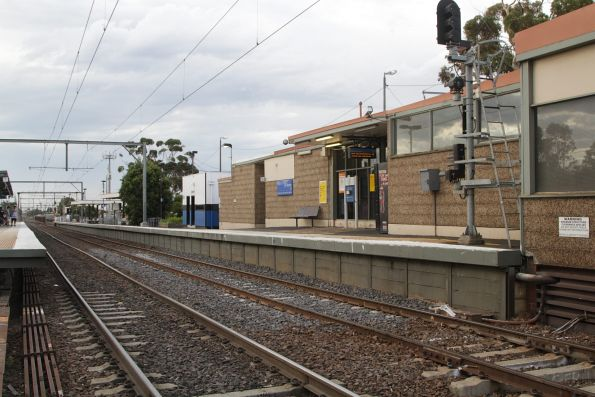 Pebblecrete station building on platform 2 and 3 at St Albans