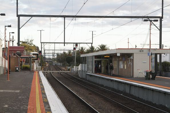 Station building at Bentleigh