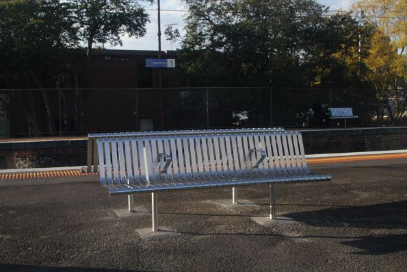 New platform benches installed at Hawthorn station