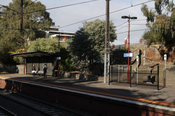New shelter and additional station access at the down end of Prahran platform 1