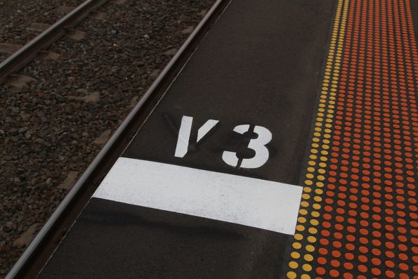 'V3' stopping mark for outbound trains at Ardeer station
