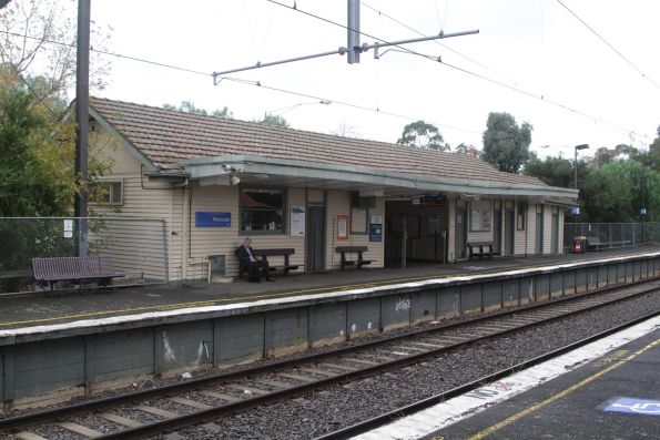 Station building at Riversdale platform 1