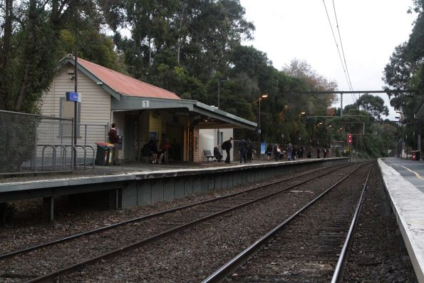 Overview of Willison station looking up the line