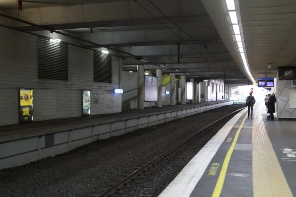 Unused platform 1 on the south side of Box Hill station