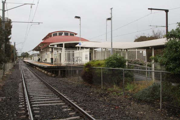 Up end of the station at Narre Warren