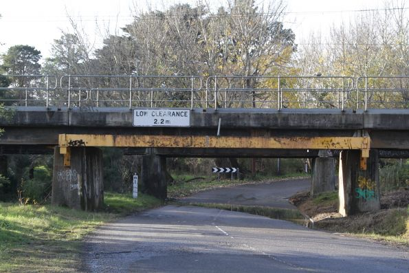 2.2 metres clearance at the Beaconsfield Avenue underbridge at Beaconsfield