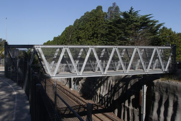 Footbridge over the tracks at Box Hill Cemetery, west of Middleborough Road