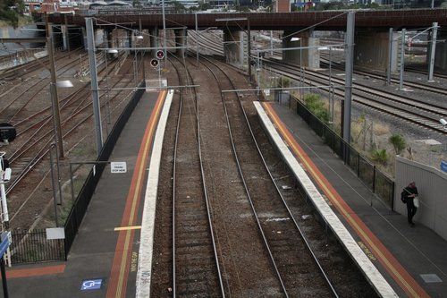 Unused 7th car section of platform 5 and 6 at North Melbourne station