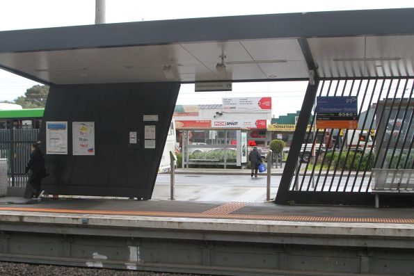 Second entrance to platform 2 at Thomastown
