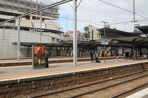 Looking across the platforms at North Melbourne station from platform 6