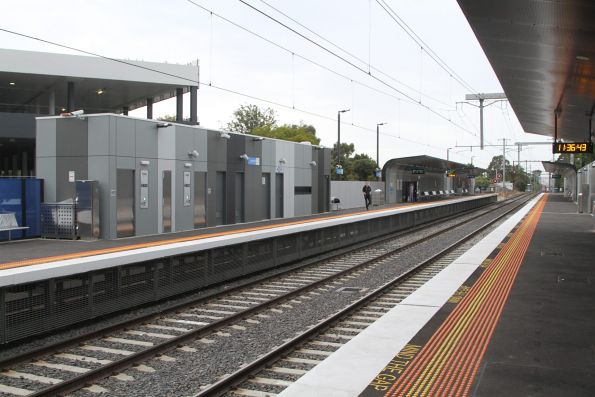 Public toilets and PSO pod at Southland station platform 2