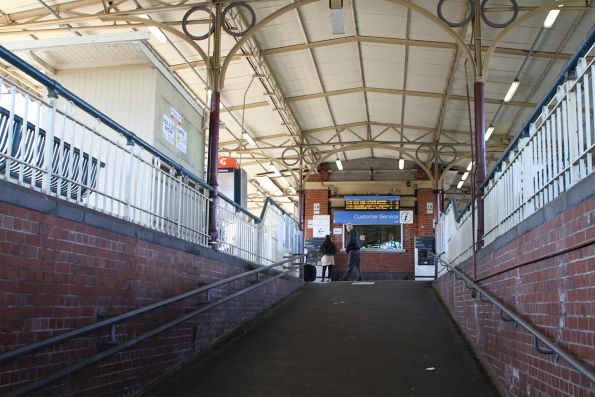 Ramp up to platform 1 at Oakleigh station
