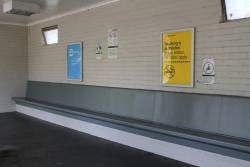 Sheltered waiting area at Eaglemont platform 1