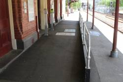 Ramp between platform and station building at Clifton Hill platform 2
