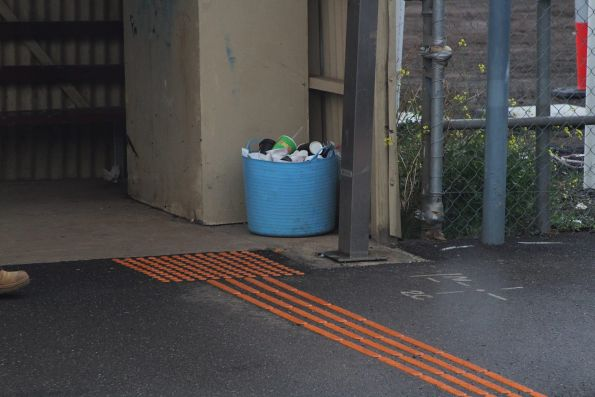 Community solution to the lack of rubbish bins at Rockbank station