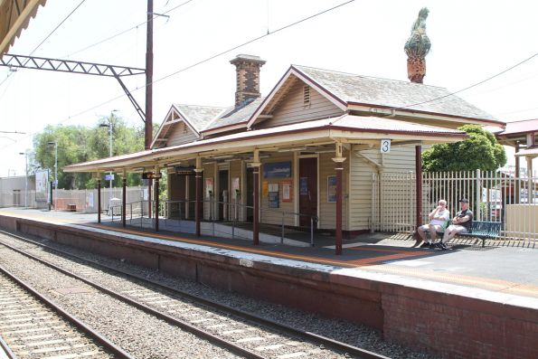 Timber station building at Cheltenham platform 3