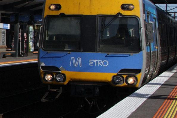 Not-quite-right placement of the 'Metro' sticker on the front of a Comeng train